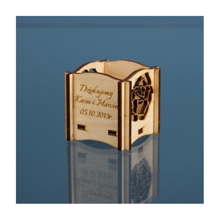 Grawerowane winietki - prezent dla gości - surowe