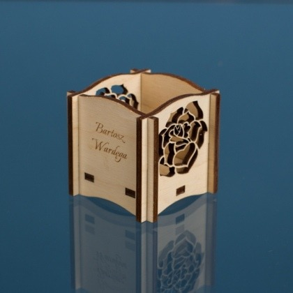 Grawerowane winietki - prezent dla gości - szlifowane