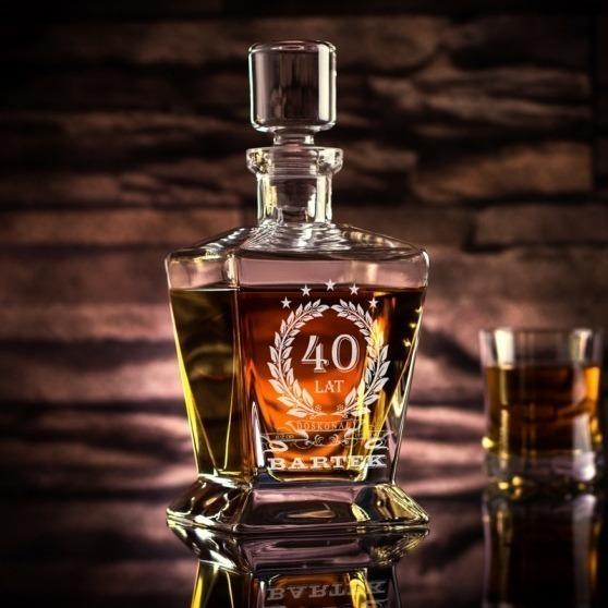 Grawerowana karafka do whiskey na urodziny